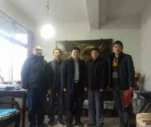 铜仁一中中层以上领导对离退休高龄教职工进行了春节慰问